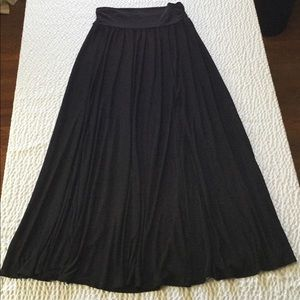 New NY & Co Stretch Black Maxi High Slit Skirt L
